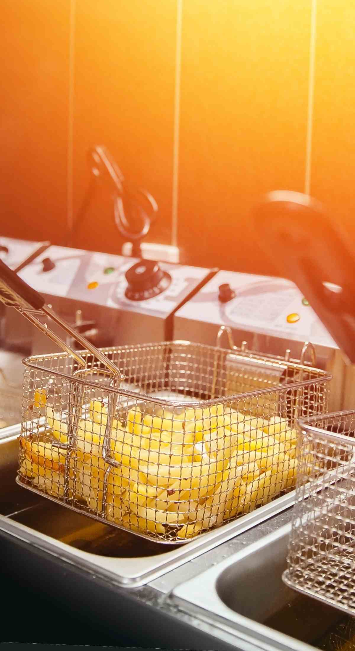 Ritiro olio vegetale esausto ristorazione